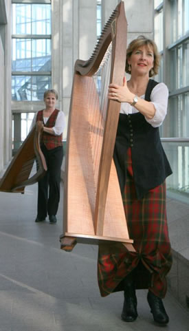 Walking through the National Gallery with our harps